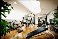 健身房运动设施