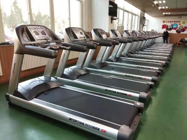 万华集团开发区公寓健身房