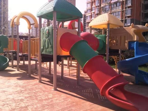 牟平鱼鸟河小区室外健身器材及儿童乐园
